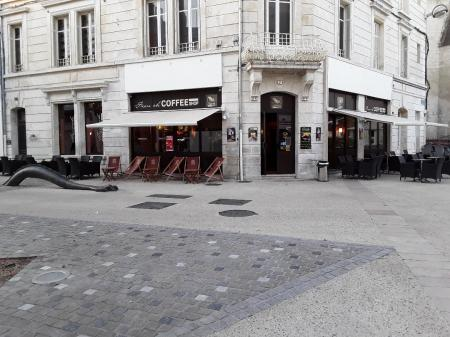 French Coffee Shop (Restauration rapide) 250m² - A VENDRE - 7 place du temple - Niort (79000)