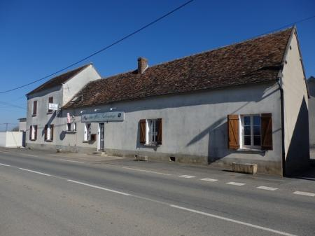 Le bon laboureur (Bar-restaurant) 200m² - A VENDRE - Route de sancerre - Menetou-Ratel (18300)